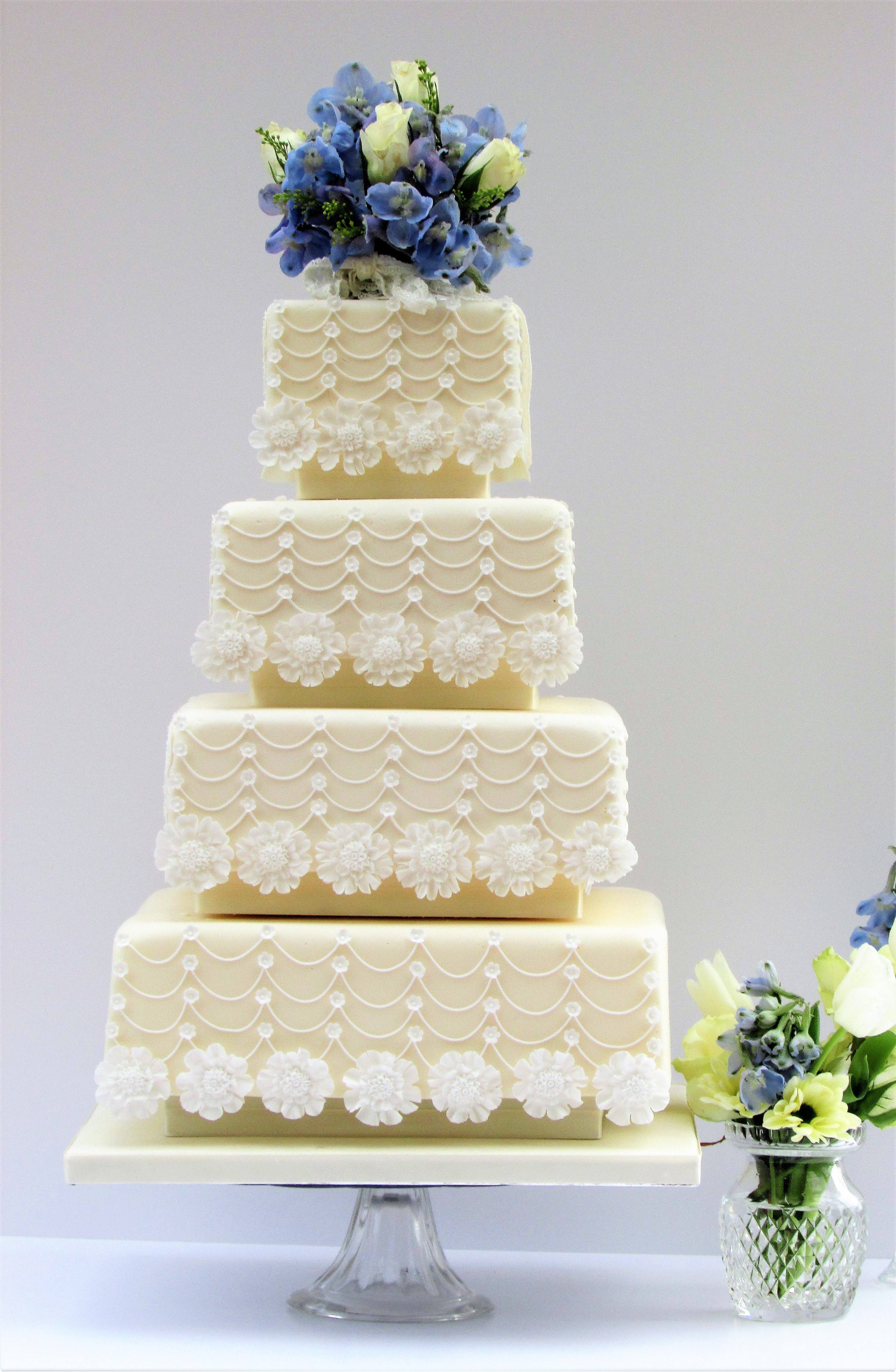 Wedding Cakes in Winchester, Hampshire by Cocoa & Whey Cakes